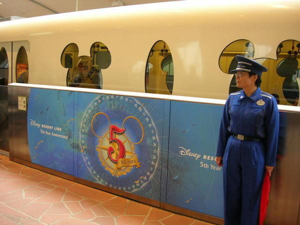 超可愛的迪士尼電車