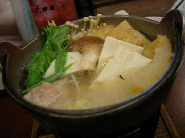 這湯超好喝...我們點兩鍋