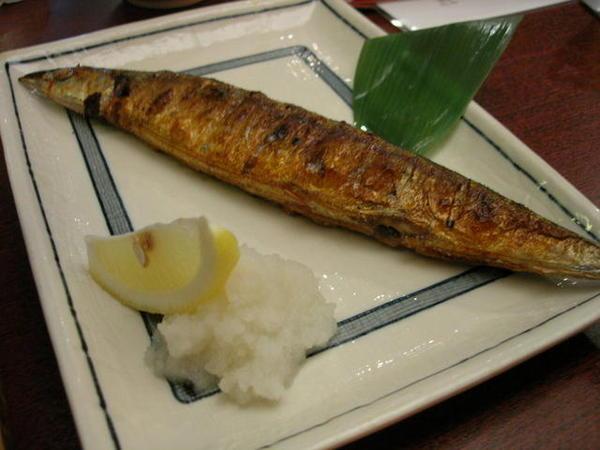 烤秋刀魚...很大尾..不貴