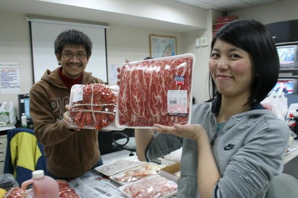 有costco帝王蟹choice牛肉片...吃的比家裡好