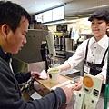 湯向榮愛喝湯....日本第一餐從湯開始