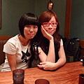 我和奈奈安排坐小桌