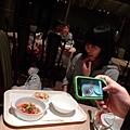 bibi的套餐好高級,黃博馬上拍馬上傳臉書