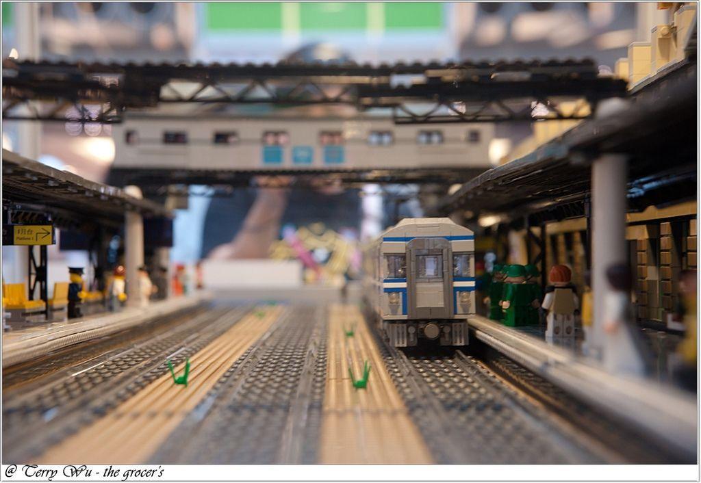 2012-06-10 臺鐵125週年展-樂高機木變身懷舊車站-11