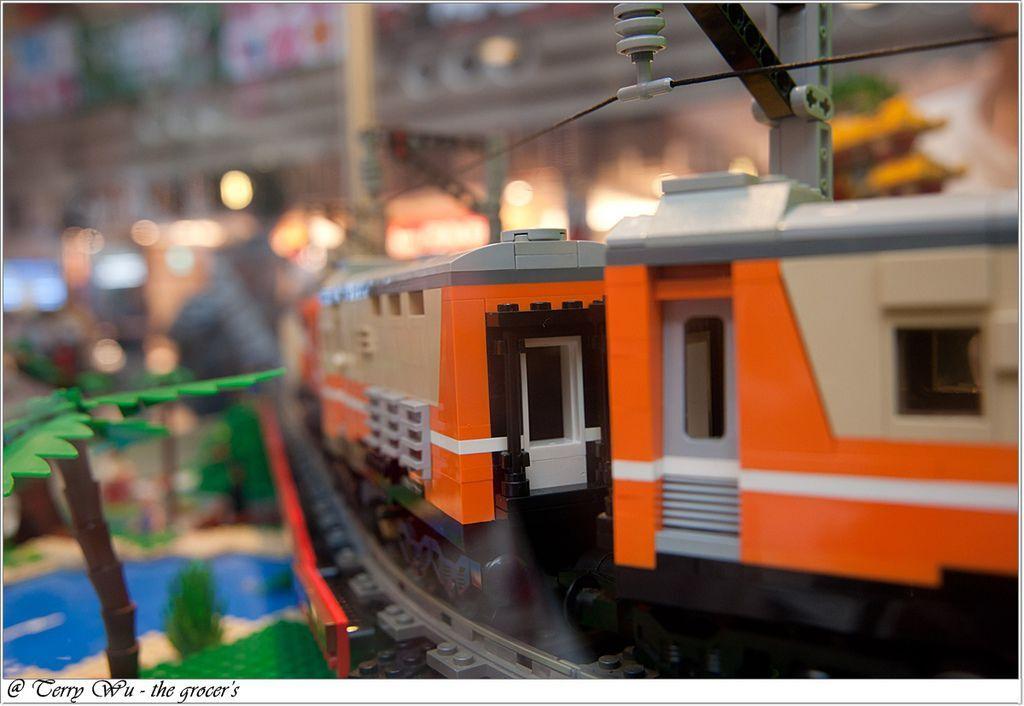 2012-06-10 臺鐵125週年展-樂高機木變身懷舊車站-9