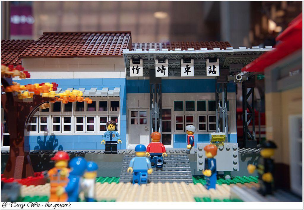 2012-06-10 臺鐵125週年展-樂高機木變身懷舊車站