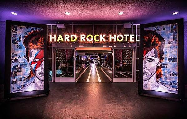 Hard-Rock-Hotel-by-Mister-Important-Design-Palm-Springs-California-03.jpg