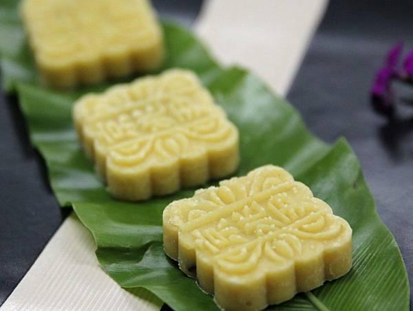雪藏枣泥绿豆糕-用去皮有机绿豆秘制而成,细滑滋润,不油腻也不太甜,一吃上瘾-1024x773.jpg