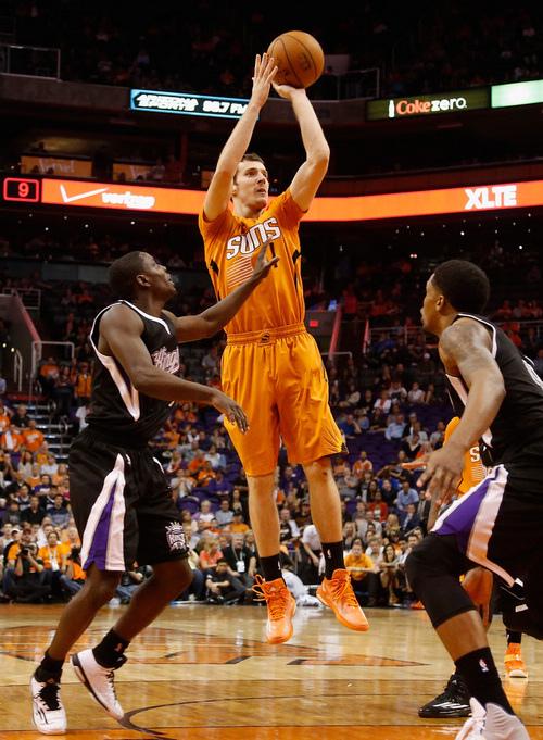 Goran+Dragic+Sacramento+Kings+v+Phoenix+Suns+LrNhyM2hng9x.jpg