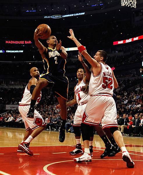 Earl+Watson+Indiana+Pacers+v+Chicago+Bulls+ZTZuhaLfcS9x.jpg