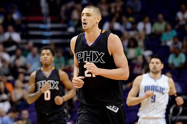 9951880-nba-orlando-magic-at-phoenix-suns-850x560.jpeg