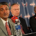Ted+Leonsis+Brian+MacLellan+Barry+Trotz+Press+4FsdMksyGXjx.jpg