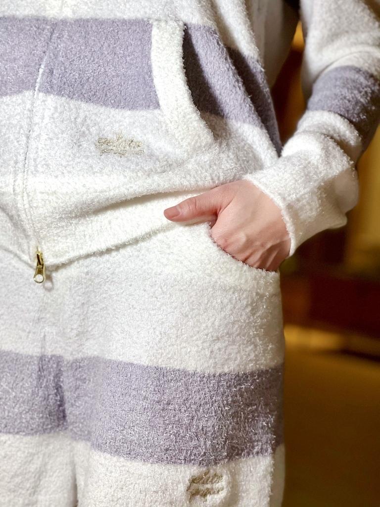 柔軟的睡衣