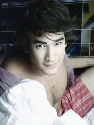 top10_tv_pool_gays_nadech1.jpg