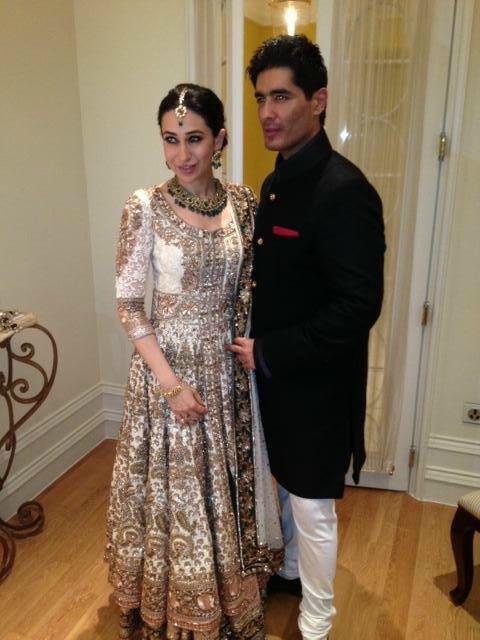 karisma-kapoor-with-manish-malhotra_13504506570