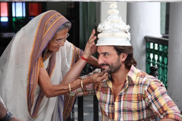 saif-ali-khan-with-bengali-headgear-still-from-film-bullet-raja_138296143860