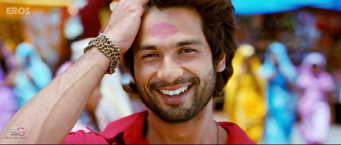 shahid-kapoor-smiling-still-from-film-r-rajkumar-2013_138114424560
