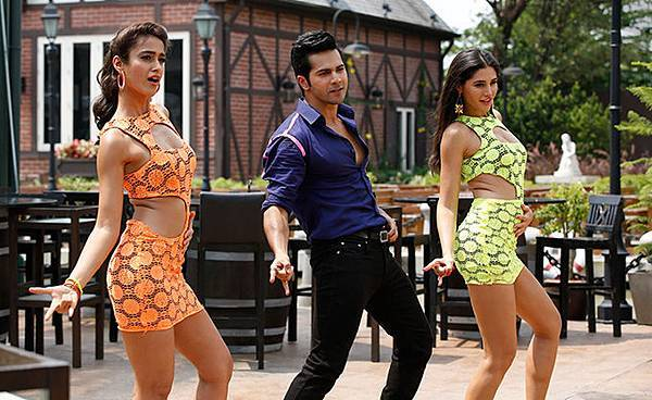 ileana-d-cruz-varun-dhawan-nargis-fakhri-still-from-main-tera-hero_139358700330