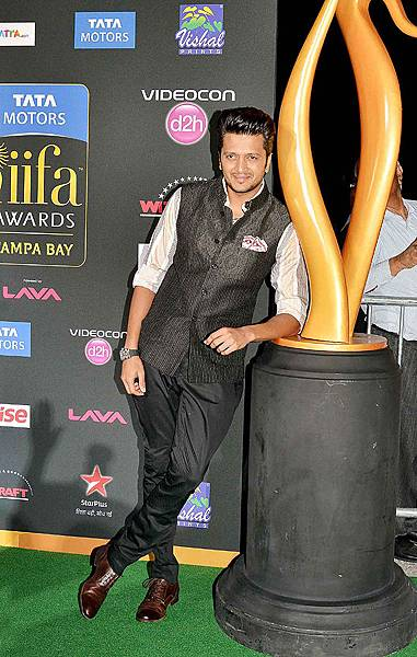 celebs-iifa-magic28