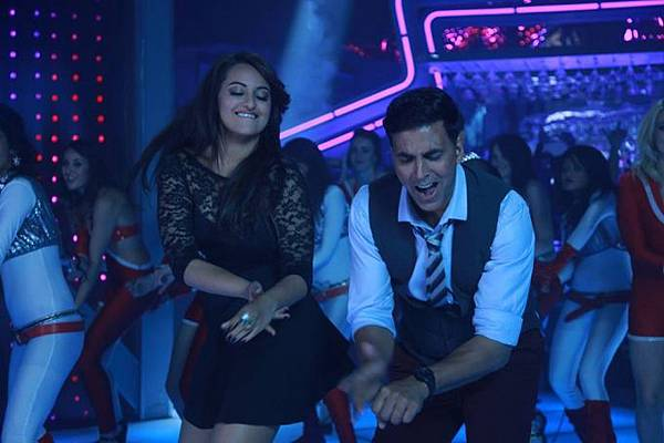 akshay-kumar-sonakshi-sinha-still-from-blame-night_139929113550