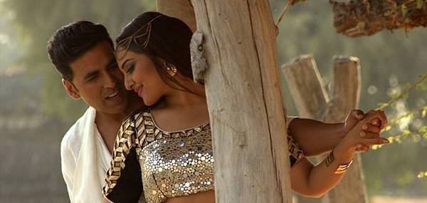 akshay-kumar-sonakshi-sinha-still-from-holiday_139901071640
