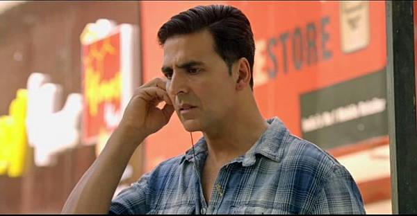 akshay-kumar-still-from-film-holiday_1392198637100