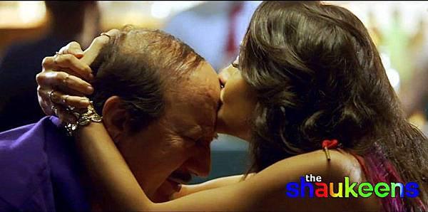 0ya03njtcbfcoqpy.D.0.Lisa-Haydon-Anupam-Kher-The-Shaukeens-Movie-Pic