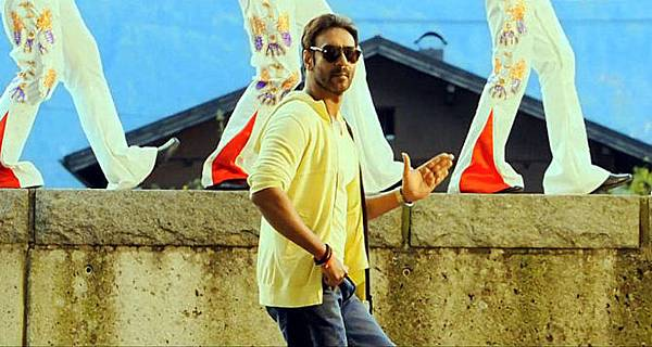 yc6lkzubf0yys7vt.D.0.Ajay-Devgn-Action-Jackson-Film-Song-Photo
