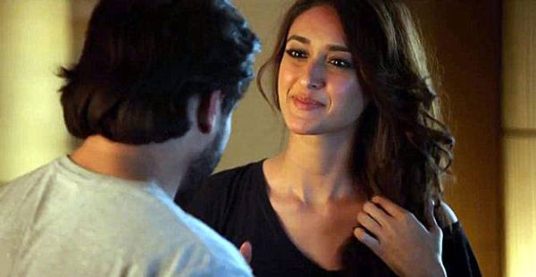 z3xyvjbg3o5x7gv7.D.0.Ileana-DCruz-Saif-Ali-Khan-Happy-Ending-Movie-Still