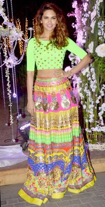 Esha Gupta-eshadec14