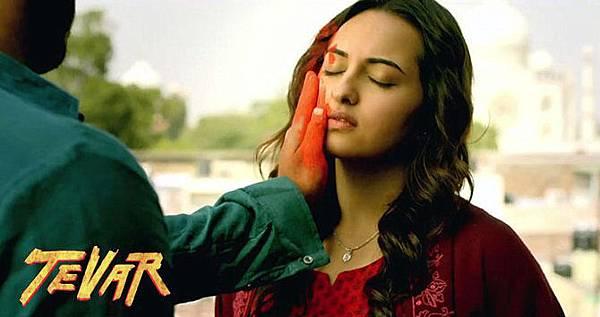 gupc5hww3jjafpo7.D.0.Sonakshi-Sinha-Tevar-Movie-Still
