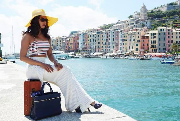 priyanka-chopra-first-look-in-dil-dhadakne-do_142856332700