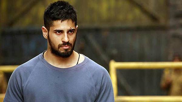 sidharth-malhotra-in-brothers_143391158500