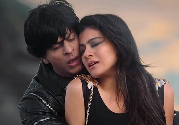 shahrukh-khan-amp;-kajol-in-gerua-song-dilwale_144790595060