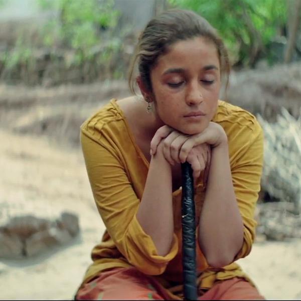 alia-bhatt-in-udta-punjab-song-ikk-kud_146296279740