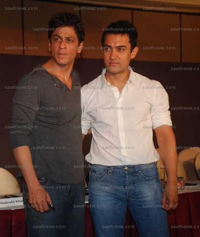 Shah_Rukh_Khan_Aamir_Khan_7_April_2009.JPG