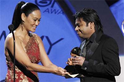 arRahman-grammy.jpg