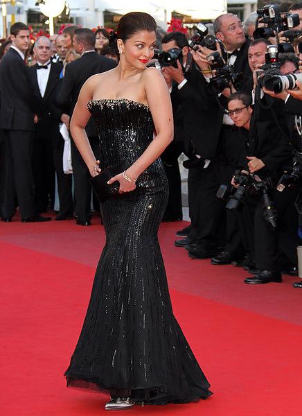 Aishwarya_Rai_Cannes_2010_Day2A.jpg