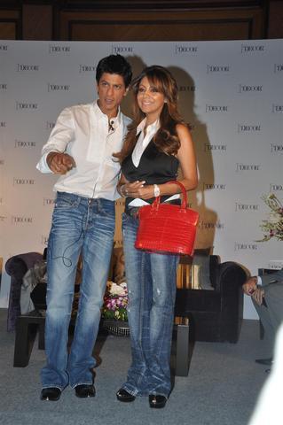 Shah_Rukh_Khan_Gauri_26Aug2010A.JPG