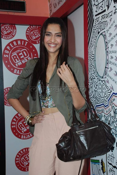 sonam-kapoor-at-red-fm-12.jpg