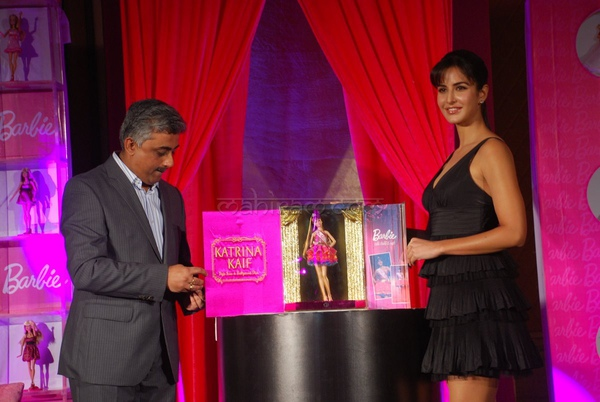 katrina-kaif-unveil-new-barbie-doll-13.jpg