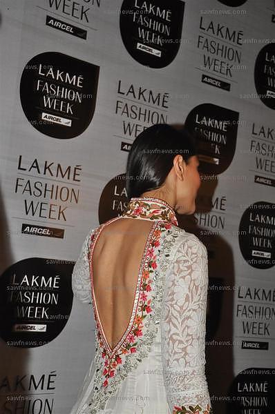 Kareena_Kapoor_12Mar2011C.jpg