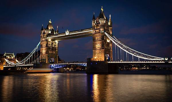 tower bridge-.jpg