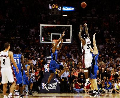 lebron-james-game-winner-20090523071903.jpg