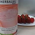 營養好喝的草莓奶昔