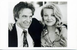 約翰卡薩維蒂(左)與妻子吉娜羅蘭(右)_1.jpg