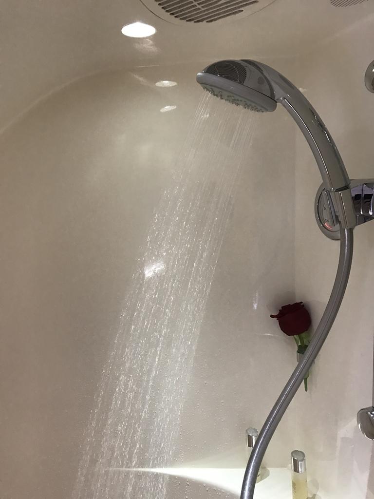 35浴室出水.JPG