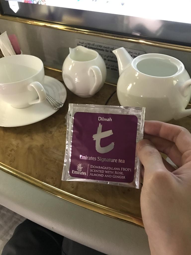 36洗完澡喝茶.JPG