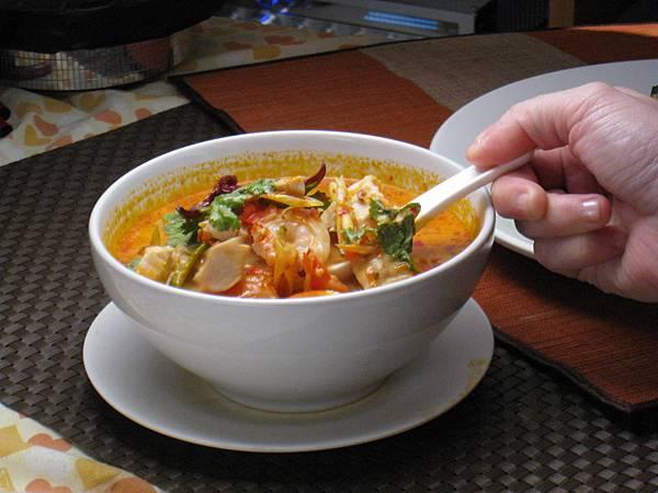 正統泰式酸辣湯豐富的食材