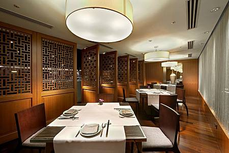 Sukhothai舒適的用餐環境。圖片來源台北喜來登